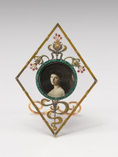 Faberge (before 1899) Art Nouveau frame. Virginia Museum of Fine Arts, Richmond, Virginia | JV
