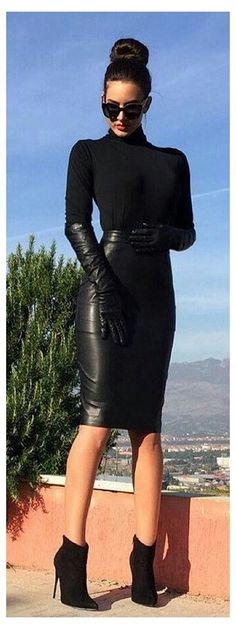 #elbow #length #gloves #outfit #elbowlengthglovesoutfit Lederlady ❤ Long Leather Skirt, Black Leather Pencil Skirt, Black Leather Gloves, Leather Dresses, White Leather, Sexy Rock, Look 2018, Pencil Skirt Outfits, Black Pencil Skirt Outfit