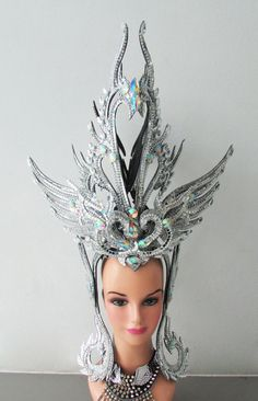 Hey, I found this really awesome Etsy listing at https://www.etsy.com/listing/188385274/da-neena-h128-vegas-crystal-royal-swan