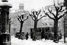 Bilbao, Gran Vía street, under the snow, 1955.