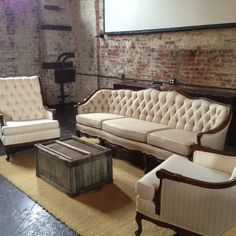 The Green Building ~Brooklyn. Green Building, Building Ideas, Wedding Table Layouts, Chairs For Rent, Wedding Lounge, Industrial Chic, Vintage Stuff, Vintage Furniture, Vintage Antiques