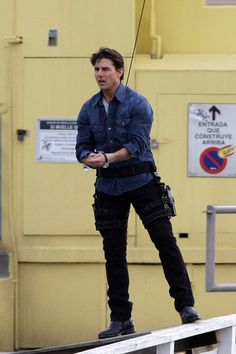 """Tom Cruise Photos Photos: Tom Cruise Filming """"Knight and Day"""" Tom Cruise Short, Ethan Hunt, Joker Heath, Stunt Doubles, Young Guns, Andrew Garfield, Logan Lerman, Mission Impossible, Comedy Films"""