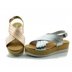 Espadrilles, Sandals, Shoes, Fashion, Slip On, Espadrilles Outfit, Moda, Shoes Sandals, Zapatos