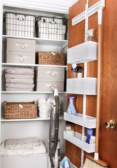 cleaning closet Get organized! This linen closet makeover features an adjustable over the door organizer for cleaning supplies, plus baskets and boxes to organize AND theres room to store the vacuum. Coat Closet Organization, Home Organisation, Closet Storage, Bedroom Organization, Cleaning Cupboard Organisation, Organization Station, Basket Organization, Kitchen Organization, Organization Ideas