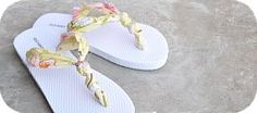 DIY flip-flops! Crafts project to do with your friends and add a little individuality to your outfits this summer! #indigo #perfectsummer