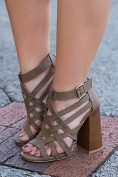 Cognac colored strappy sandals with buckle around the ankles and chunky heels. *Run true to size* Tennis Shoe Heels, Tennis Shoes Outfit, Nike Tennis Shoes, Shoes Heels Boots, Tennis Gear, Heeled Sandals, Strappy Sandals, Buy Shoes, Me Too Shoes