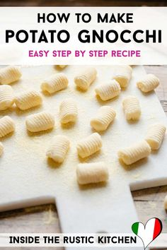 Potato Gnocchi Recipe, Gnocchi Recipes, Pasta Recipes, Types Of Potatoes, Making Gnocchi, How To Make Potatoes, Little Potatoes, Homemade Pasta, Soft Light