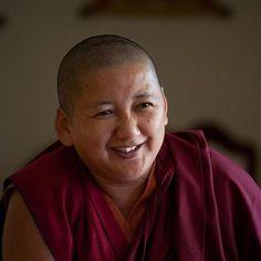 On mindfulness ~ Khandro Rinpoche Maître tibétaine Nyingmapa - Dakini Tibet