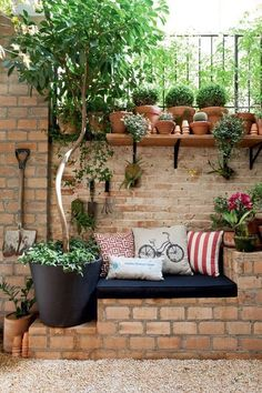 Today I search in net and found very interesting projects, how to decorate your yard with bricks. I made for you this amazing post that is called