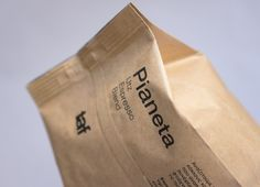 Taf Pianeta Espresso on Packaging of the World - Creative Package Design Gallery
