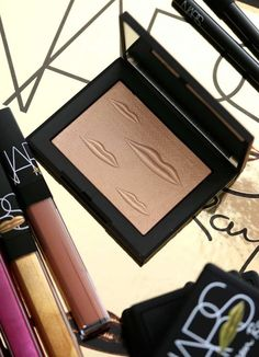 NARS Man Ray for NARS Holiday 2017: Overexposed Glow Highlighter in Double Take