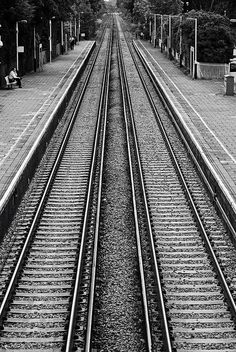 Datchet Railway Station, England by Aaron Yeoman. Carrying the train right past my bedroom window! Symmetry Photography, Photography Ideas At Home, Line Photography, Amazing Photography, Street Photography, Rules Of Composition, Composition Techniques, Visual Thesaurus, Train Pictures