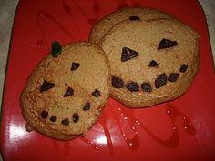 Halloween breakfast ;) Vanilla protein pancakes with dark chocolate chips