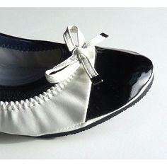 Black retro folding shoes