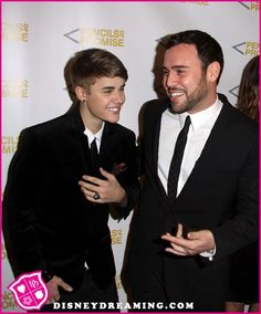 Scooter Braun Refuses To Address Rumors About Justin Bieber While On Vacation