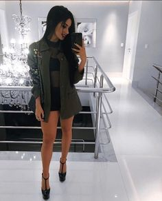Roupas para show green color kuih - Green Things Edgy Outfits, Night Outfits, Summer Outfits, Girl Outfits, Cute Outfits, Fashion Outfits, Look Fashion, Teen Fashion, All Black Outfit