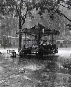 manège sous la pluie