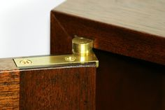 brass offset pivot hinge for fine boxes, cabinetry, and furniture Jet Woodworking Tools, Woodworking Videos, Woodworking Projects Plans, Wadrobe Design, Woodworking In An Apartment, Cool Doors, Door Hinges, Hardware, Metal