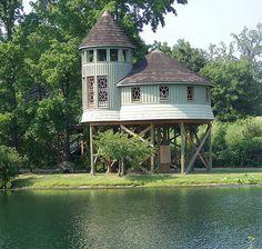 Luxury Tree House by emeraldspiryt on Flickr.