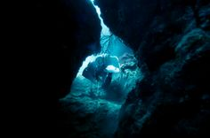 The 10 Most Dangerous SCUBA Dives in the World-The Shaft Sinkhole, Mount Gambier, Australia Scuba Diving Equipment, Scuba Diving Gear, Cave Diving, Scuba Diving Australia, Diving World, Underwater Caves, German Submarines, Blue Hole, Scary Places