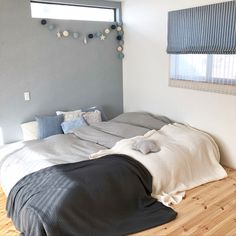 Bedroom/ナチュラル/壁/アクセントクロス/ベッドカバー/北欧...などのインテリア実例 - 2017-12-22 13:51:19