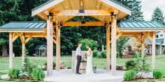 https://www.wedding-spot.com/venue/3637/Rein-Fire-Ranch/