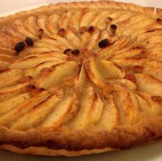 Ideas que mejoran tu vida Apple Recipes, Sweet Recipes, Cake Recipes, Dessert Recipes, Sweet Pie, Sweet Tarts, Delicious Desserts, Yummy Food, Chilean Recipes