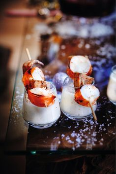 Découvrez notre recette de Brochettes de langouste grillée, crème au lard, sur notre site www.picard.fr Lard, Panna Cotta, Ethnic Recipes, Spain, Table, Photos, Meat, Skewers, Greedy People