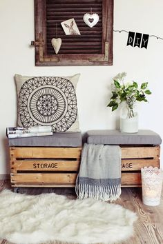 14 Pallet Furniture Designs You'll Want In Your Home DIY seat from old wooden boxes. Cheap Storage, Diy Storage, Storage Chest, Bench Storage, Storage Boxes, Pallet Furniture Designs, Diy Furniture, Garden Furniture, Furniture Refinishing