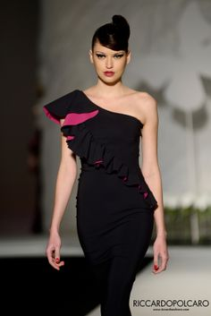 ANTEPRIMA LA PETITE ROBE DI CHIARA BONI... #PittiW14 #pittiuomo #pitti85 #fashion #man #moda #show #runway #collection #menswear #Florence #AW14 ©RP www.riccardopolcaro.com