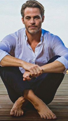 Moretravelimg david gandy pinterest david gandy sexy feet chris pine super casual barefoot and utterly sexy thecheapjerseys Images