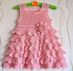 Crochet Blouse And Skirt For Girl - Diy Crafts - Marecipe Baby Girl Crochet, Crochet Baby Clothes, Crochet Baby Hats, Funny Dresses, Diy Dress, Girl Doll Clothes, Little Girl Dresses, Toddler Dress, Dress Patterns