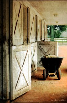 Country Brown and White at the Stables Country Charm, Country Life, Country Girls, Country Living, Country Roads, Cottage Living, Country Style, Horse Stables, Horse Farms