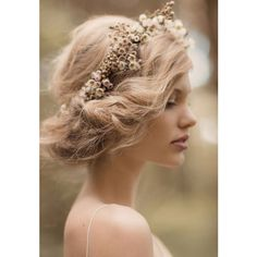 For a future shoot if we figure out how to do hair like this. Bridal Inspiration by Rue de Seine & Jessica Sim - via Magnolia Rouge (Hair/ Make-up by Natalie Dent) Wedding Hair And Makeup, Hair Makeup, Hair Wedding, Wedding Pastel, Wedding Flowers, Wedding Crowns, Upstyle Wedding Hair, Wildflowers Wedding, Romantic Flowers