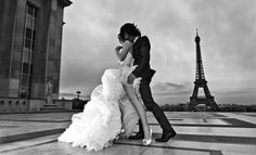 Love... who doesn't wants to marry in Paris?:)