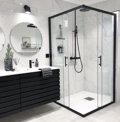 Banheiro preto e branco: 50 dicas e inspirações Bathroom Goals, Dream Bathrooms, Master Bathrooms, Small Bathrooms, Beautiful Bathrooms, Farmhouse Bathrooms, Modern Bathrooms, Modern Farmhouse, Bathroom Interior Design
