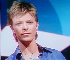 Berlin Bowie  Such a beautiful era ✨★ • • #davidbowie #david #bowie #ziggystardust #starman #goblinking #labyrinth #music #thinwhiteduke #ziggy #davidrobertjones #thegoblinking