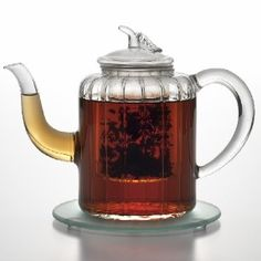 Glass Adele square shaped teapot from Bonjour, made of handblown Parisian-inspired glass, with an infuser.. Perfect for a variety of teas.