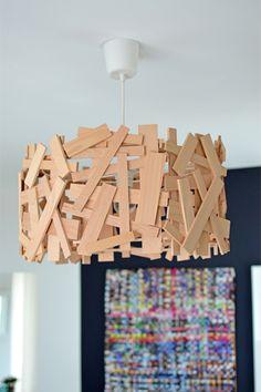 Die Uni Marburg freut sich über eine neu gestaltete Mensa. Kristina zeigt euch hier, wie ihr die STICK-Lampe nachbauen könnt.