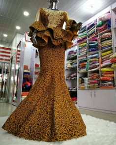 Top Ankara Skirt And Blouse for African Women 2019 Top Ankara Skirt And Blouse for African Women I anticipate we can all accede that the built-in styles this year are absolutely bad-ass. Top Ankara Skirt And Bl African Lace Styles, African Lace Dresses, African Dresses For Women, African Attire, African Wear, African Skirt, African Fashion Ankara, Latest African Fashion Dresses, African Print Fashion