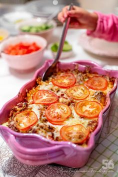 Grymt god Fajitasgratäng - 56kilo.se - Recept, inspiration och livets goda Swedish Recipes, Happy Foods, Lchf, Garam Masala, Dessert Recipes, Desserts, Fajitas, Chocolate Recipes, Macaroni And Cheese