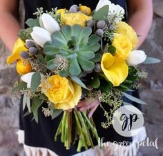 New succulent wedding yellow garden roses 43 Ideas Tulip Wedding, Peony Bouquet Wedding, Wedding Flowers, Wedding Yellow, Succulent Centerpieces, Succulent Bouquet, Succulent Pots, Hanging Succulents, Faux Succulents