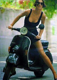 Vespa Beauty Vespa Px, Piaggio Vespa, Lambretta Scooter, Scooter Motorcycle, Motorcycle Girls, Scooter Girl, Vespa Girl, Pink Vespa, Biker Chick