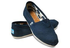 quite nice a6f94 446e8 TOMS   Classic Navy Canvas, tummansininen Tom Shoes, Toms Shoes Outlet, Miesten  Kengät