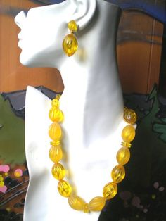 Vintage Necklace an Earring Bright an Chunky Set by BagsnBling, $13.89