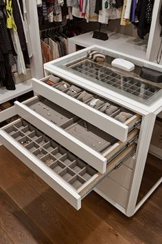 trendy walk in closet island jewelry storage Walk In Closet Design, Bedroom Closet Design, Master Bedroom Closet, Closet Designs, Master Bathroom, Master Room, Organizing Walk In Closet, Closet Storage, Closet Drawers