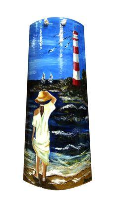 Mirando al mar. Teja pintada Ocean Crafts, Rope Crafts, Seashell Crafts, Painted Boards, Painted Rocks, Slate Art, Ganesha Art, Painted Shells, Painted Wine Bottles