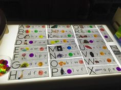 alphabet activity with bingo chips Kindergarten Art Activities, Alphabet Activities, In Kindergarten, Preschool Ideas, Sensory Table, Baby Sensory, Sensory Play, Reggio Emilia, Alphabet Lighting