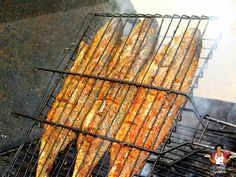 Barbecued Marinated Croaker fish Recipe On Street Foodie Waka, Dobby's Signature - Jarmaar Thomas - internationally inspired Croaker Fish Recipe, Barbecued Fish Recipes, West African Food, Nigerian Food, Tilapia Recipes, Fatty Fish, Food Website, Grilled Salmon, White Meat
