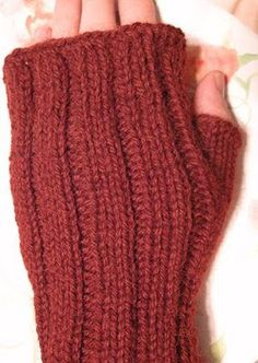 Maggie's Mitts Free Pattern - Chicken Stitches Blog